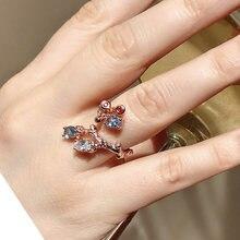 Очень красивое кольцо из розового золота с овальным кристаллом
