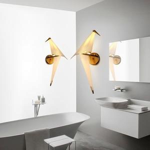 Image 5 - IKVVT LED kuş tasarım duvar lambası başucu lambası yaratıcı Origami kağıt vinç duvar lambası Loft yatak odası çalışma fuaye yemek odası