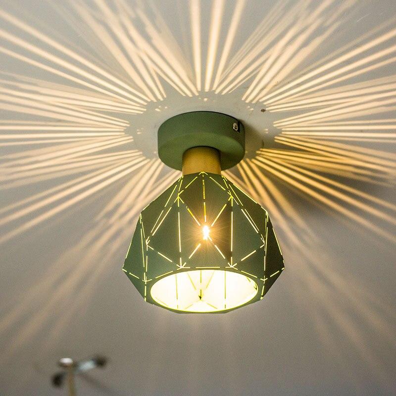 Plafonnier scandinave moderne art de la maison passerelle moderne design simple balcon chambre trompette lampePlafonnier scandinave moderne art de la maison passerelle moderne design simple balcon chambre trompette lampe