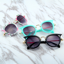 XIWANG New Cat-Eye ChildrenS Sunglasses In Europe And America 2019 With Fashion Triangle Protective Eye Sunglasse