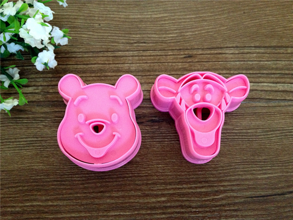 Winnie Of Pooh&Tiger Plunger Cake Cookie Mold Cutter Fondant Baking Tool Biscuit Pretty Cartoon Shape Biscuit Mould Baking Tools