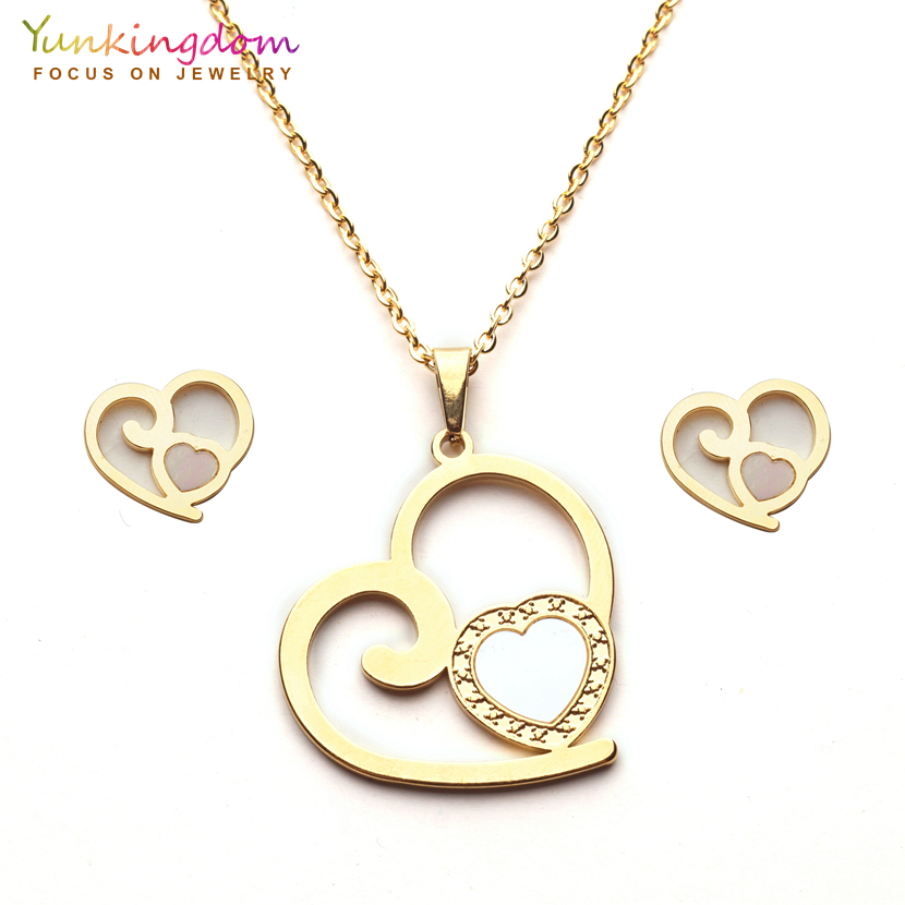 Yunkingdom romantic heart design trendy jewelry sets stainless steel pendant necklace earrings for women UE0251
