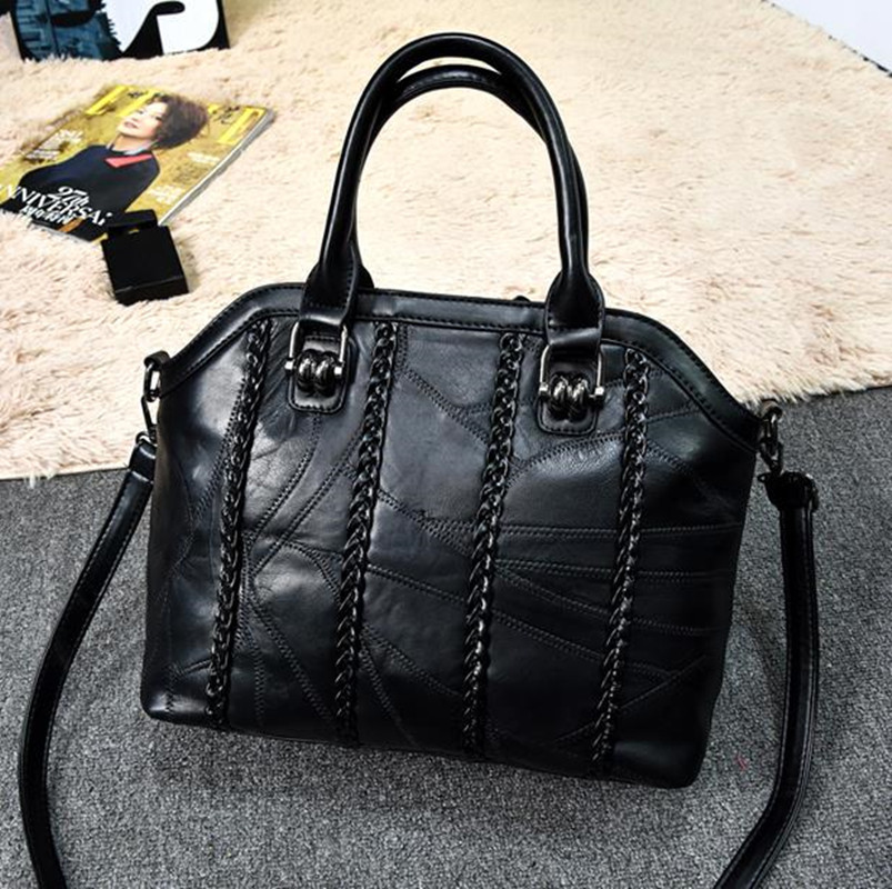 New ladies handbags Europe and the United States fashion sheepskin handbags leather braided shoulder diagonal package 18 years in europe and the united states new custom personality design show small retro unique portable organ leather handbags