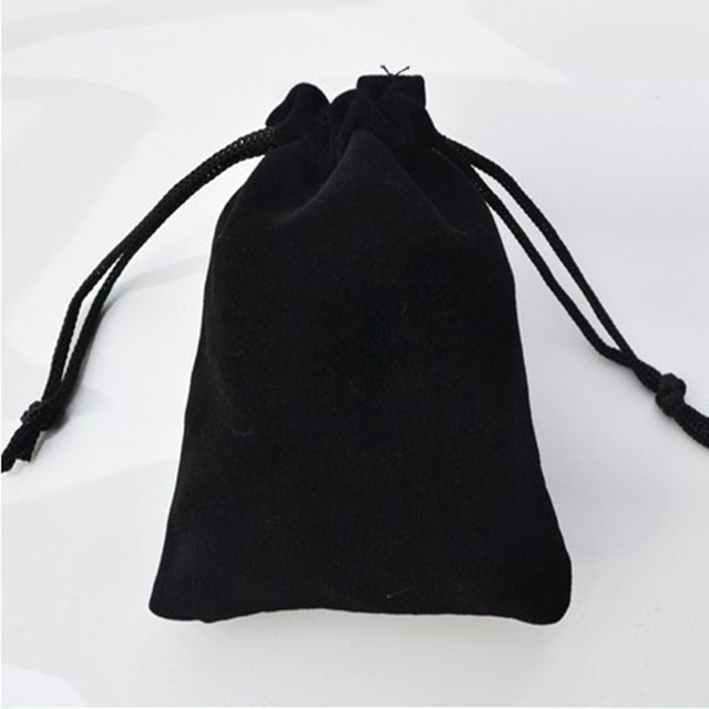 2018 hot Free shipping 7*9cm high-grade black velvet bag jewelry bags / jewelry