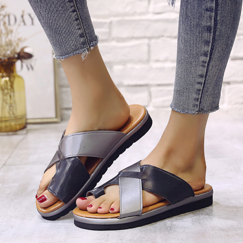 2019 summer women 39 s slippers fashion new flat bottom non slip cross strap toe slippers 35 43 yards light and comfortable in Slippers from Shoes