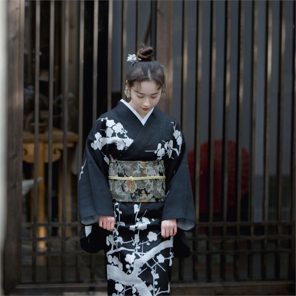 2019 Vintage Style Black Japanese Women's Satin Kimono Classic Yukata Haori Novelty Evening Dress Flower