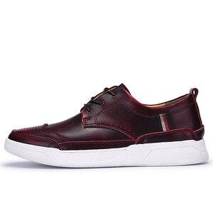 Image 5 - 2018 dos homens de alta qualidade couro sapatos casuais sapatos masculinos brogue mocassins moda tênis