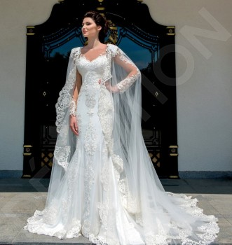 2019 Lace Applique Bridal Wraps Custom Made Cathedral Wedding Cape Shawls White and Ivory Bridal Jacket
