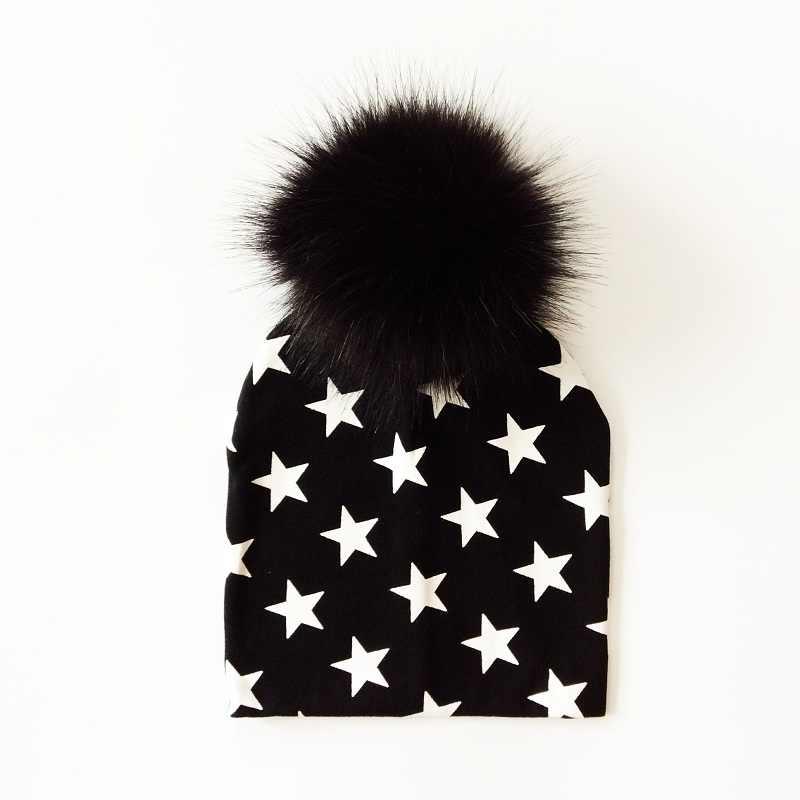 เด็กหมวกสีดำP Ompomเด็กหมวกฤดูใบไม้ร่วงฤดูหนาวผ้าฝ้ายพิมพ์เด็กc aps F Auxขนเด็กสำหรับเด็กผู้ชายและเด็กผู้หญิงPom pomหมวก