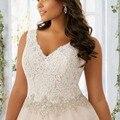 Plus Size Vestidos de Casamento 2017 Com Decote Em V Frisada Caixilhos Apliques A Linha Tribunal Train Organza Tulle Do Vestido de Casamento Robe De Mariage