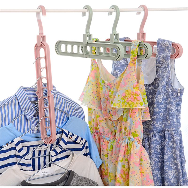 clothes hangers (1)