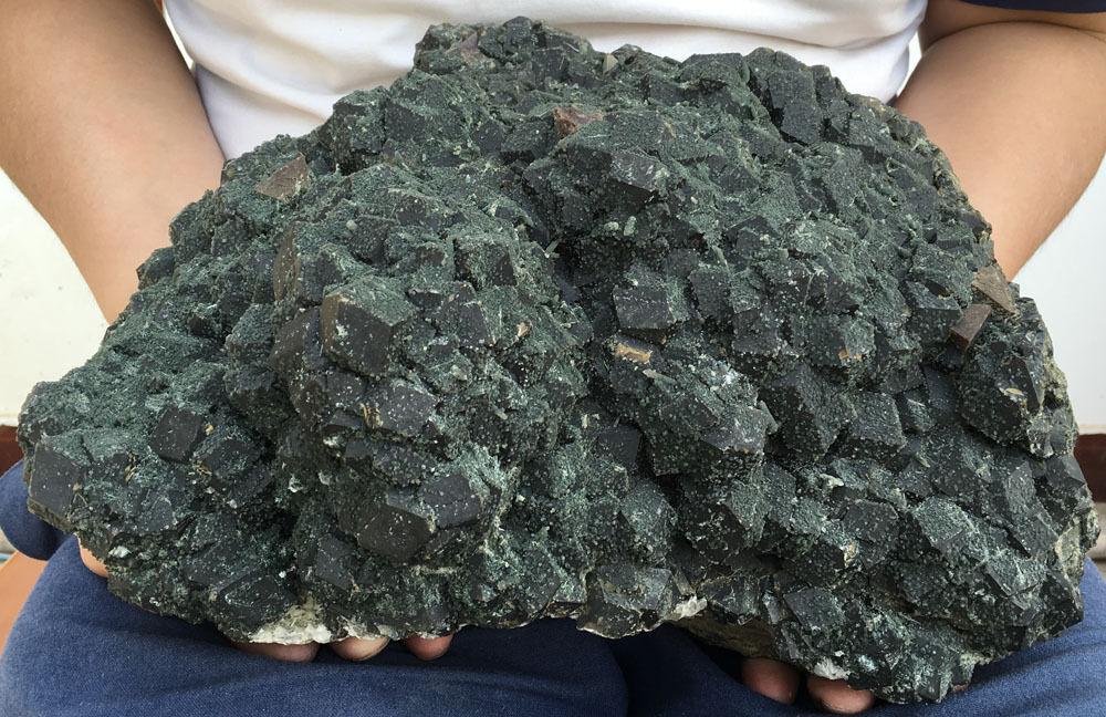 17100g nouveau trouver des spécimens de grenat naturel brut et de cristal vert routeurs sans fil de mongolie intérieure