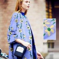 Flor amarela bordado no tecido de lã azul bordada original características de tecido de roupas de tecido de lã outono inverno
