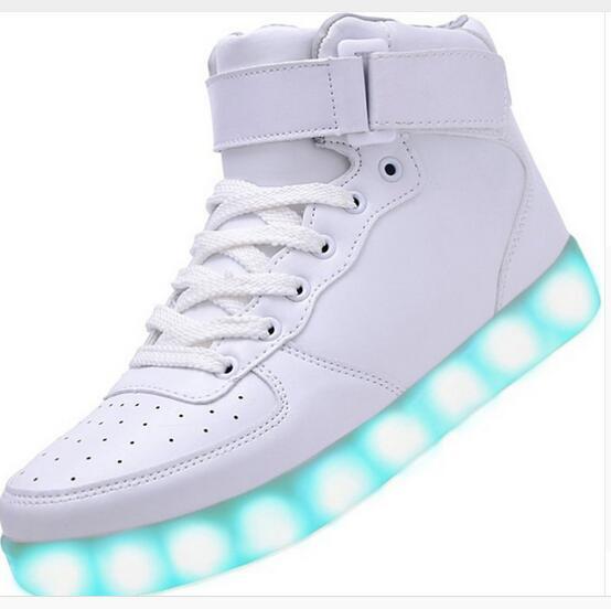 2016 yeni SAGUARO 2016 Yeni Erkek Kadın Moda Aydınlık Ayakkabı Yüksek en LED Işıkları USB Şarj Renkli Ayakkabı Severler Rahat Flaş S