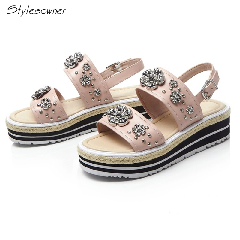 Stylesowner 2018 Fashion Women Sweet Wedges Sandals Genuine Leather Metal Flower Decoration High Heels Sandals Buckle Strap Shoe stylesowner fashion women rivets pearl platform wedges flower sandals buckle metal high heel ladies sandals summer platform shoe