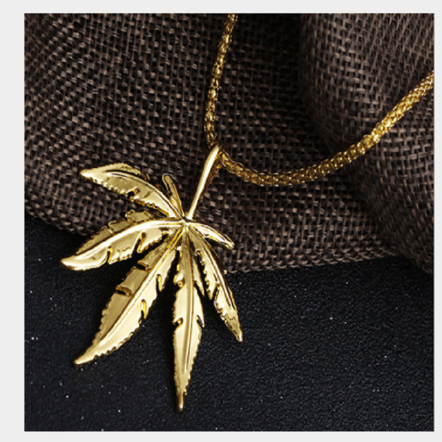 New Gold  Cannabiss Small Weed Herb Charm Necklace Maple Leaf Pendant Necklace Hip Hop Jewelry Wholesale Drop Shipping 1
