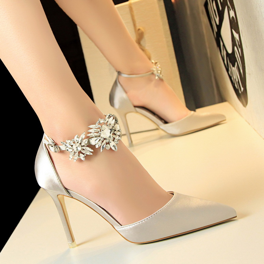 2017 new Summer women shoes  wind high-heeled shoes satin hollow shallow pointed diamond one word with sandals