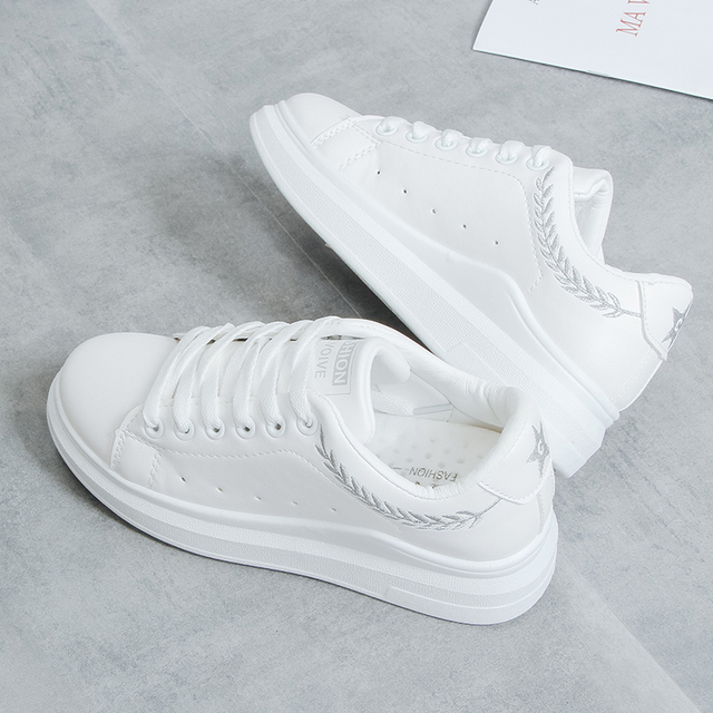 New 2018 Lady Pu leather Platform Shoes Sneakers Flat Sneakers Woman Sport Fashion Brand Breathable White Sneakers 3