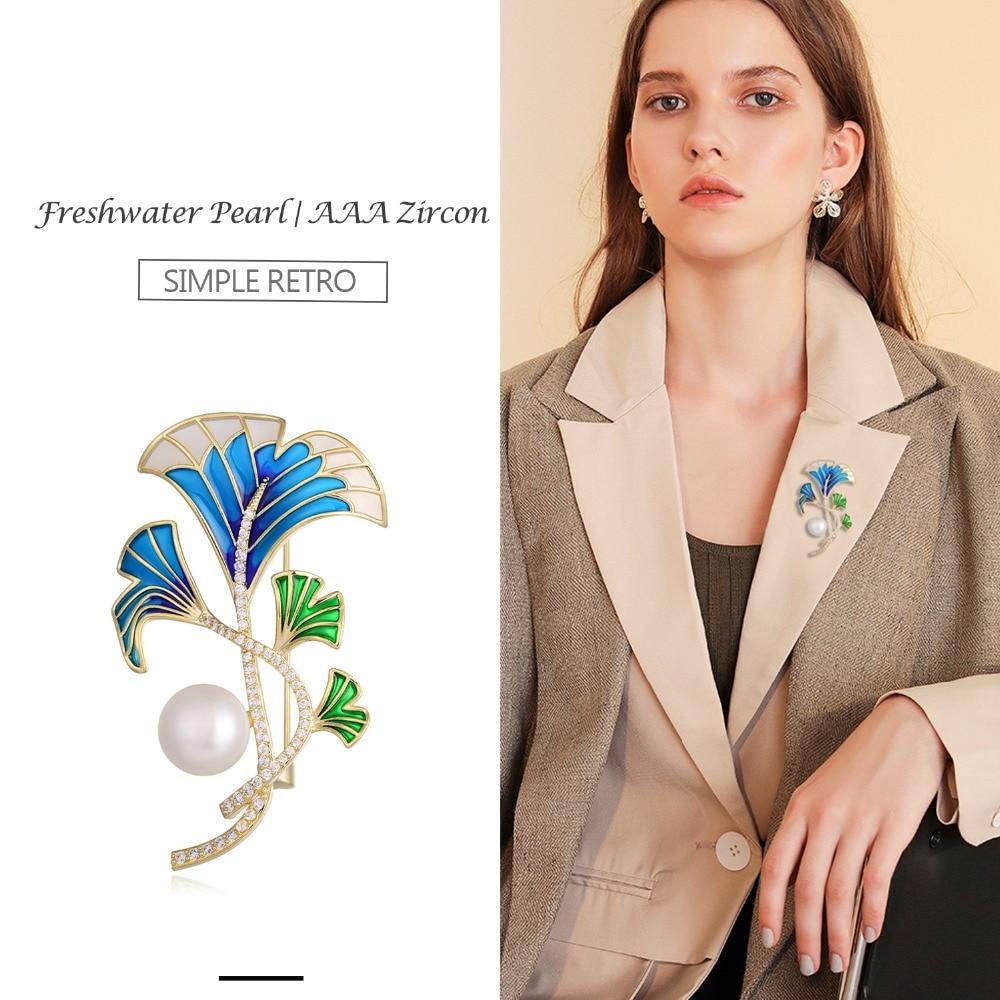 Hongye Women Plant Leaf Brooch Vintage Crystal Rhinestone Shaped Pins Suit Coat Clip Designer Jewelry