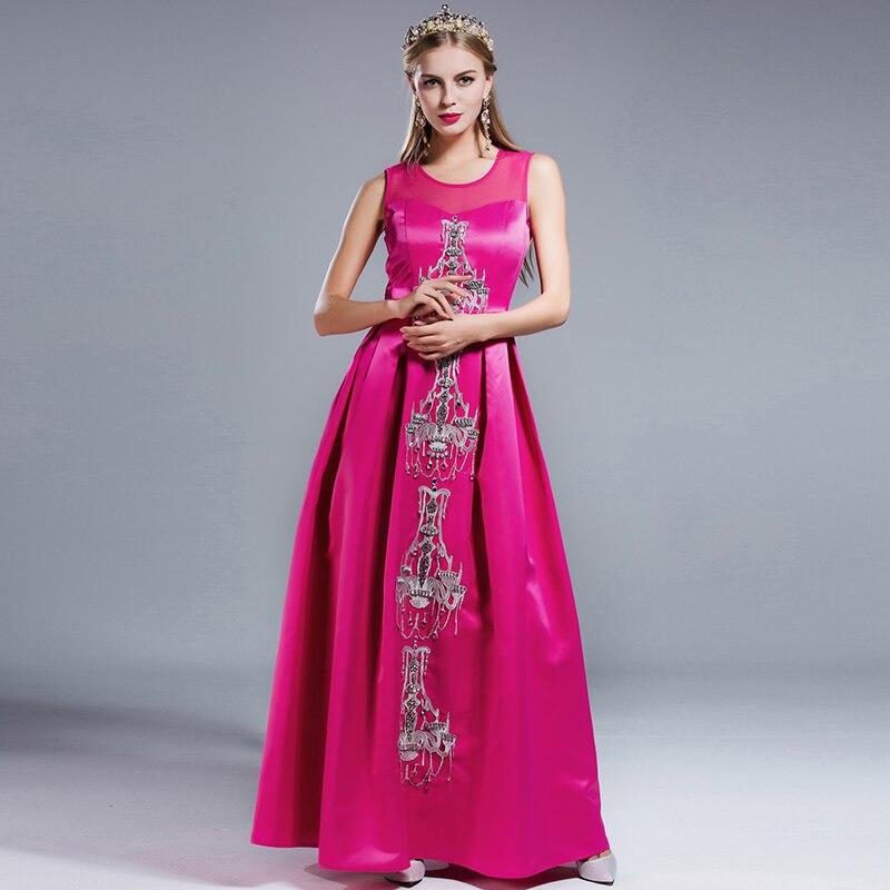 Модные классические женские платья