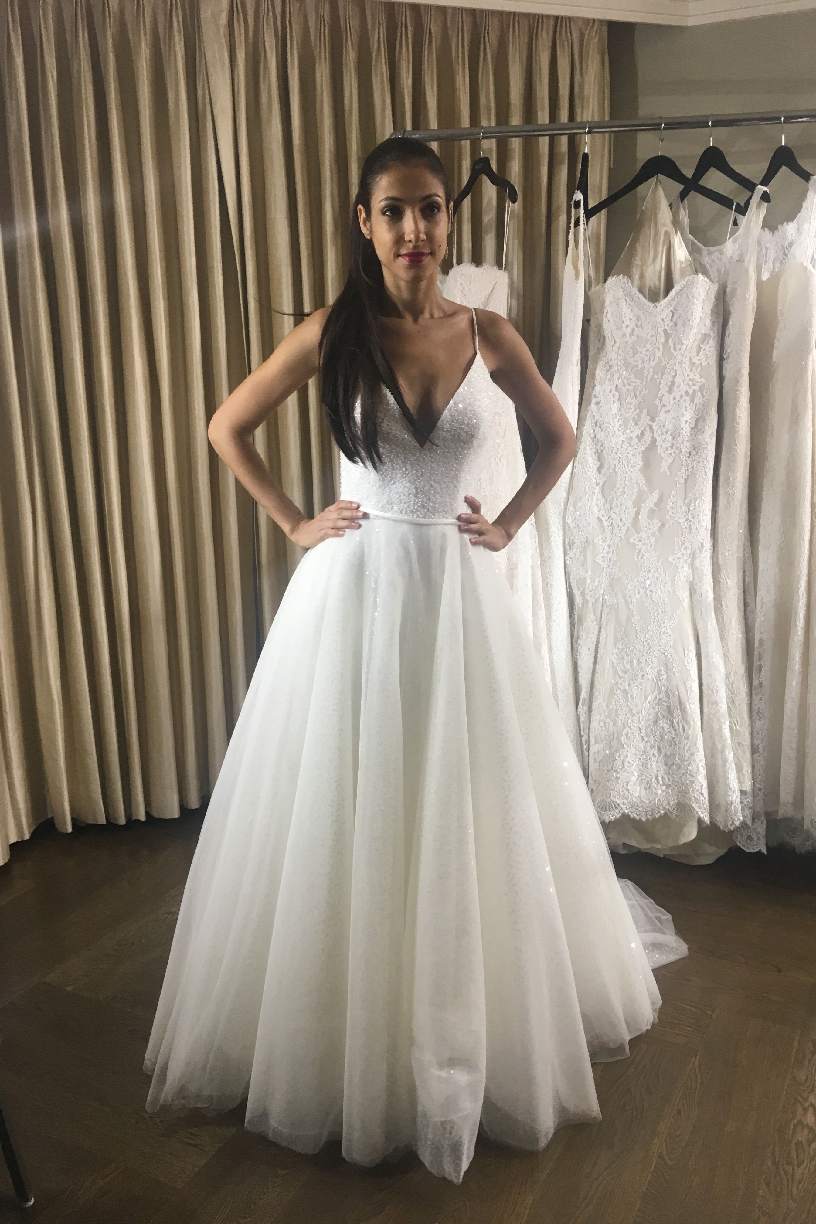 Bling Boho Wedding Dresses Spaghetti Straps Beach Wedding Gowns Sexy Backless Low Back Tulle Bohemian Bride Dress Cheap 2018