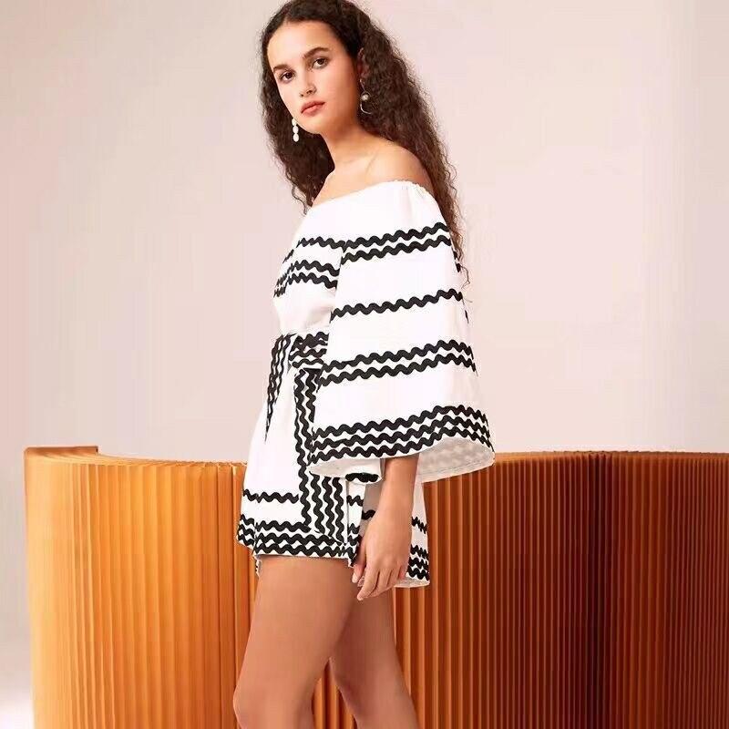 Mode Combinaisons Noir Ample Broderie Motif Angleterre De Vague 2019 Flare À D'été Cut blanc Slash Cou Boot Combinaison Manches Lacets Nouveau Style rhQdts