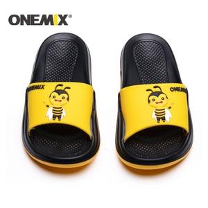 Image 3 - Сандалии ONEMIX унисекс, пляжные тапочки с граффити, удобные для улицы и дома, обувь на плоской подошве для мужчин и женщин, для летнего сезона