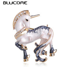Blucome Newest White Horse Shape Brooch Gold Color Texture Enamel Brooches For Men Boys Coat Collar Sweater Animal Jewelry Pins(China)