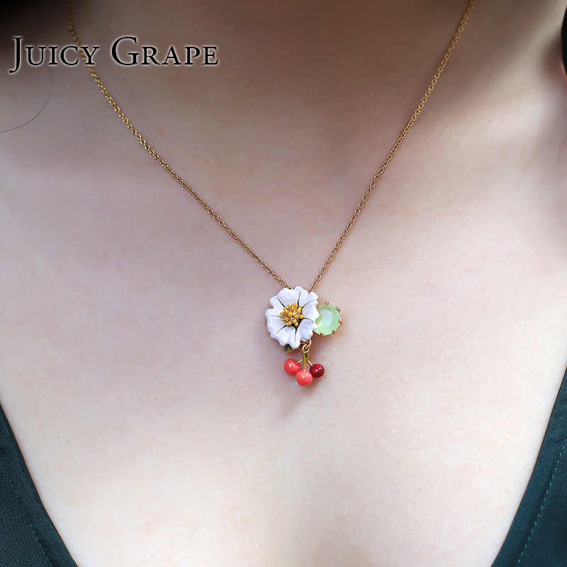 Enamel Glaze Fresh Daisy Crystal Cherry Electroplating Gold Necklace Clavicle Chain Jewelry Women  Gift