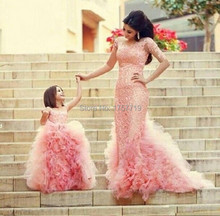 Charming  Pink Ruffled Flower Girl Dresses 2017 Ball Gown Design Sheer Straps Lace Appliques Girls Wedding Gowns