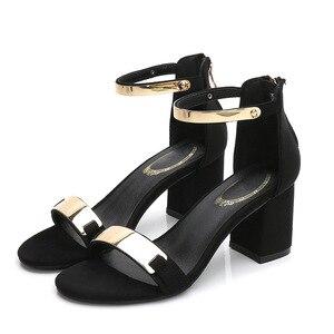 Image 5 - Sandálias femininas 2019 verão quadrado saltos grossos vermelho preto fivela tornozelo cinta salto alto bloco aberto dedo do pé sandálias de festa mulher bomba
