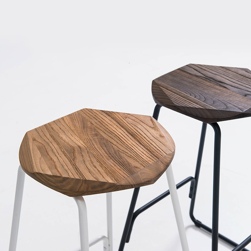 Купить с кэшбэком Metal Bar Stool Creative Iron Bar Chair Modern Concise Solid Wooden Top Stool Retro Stool 39x39x66.5cm