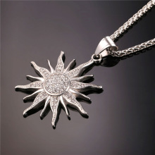 Exquisite Sparkling Rhinestone Metal Pendant Necklace