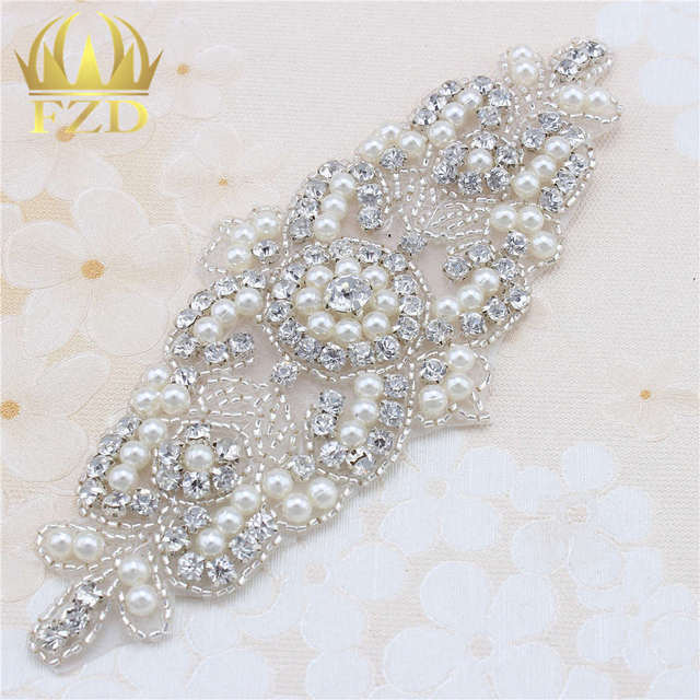 (5pieces) Wholesale Hot Fix Iron On Rhinestone Beaded Applique Crystal Sew  On Wedding Dress e6e485b19705