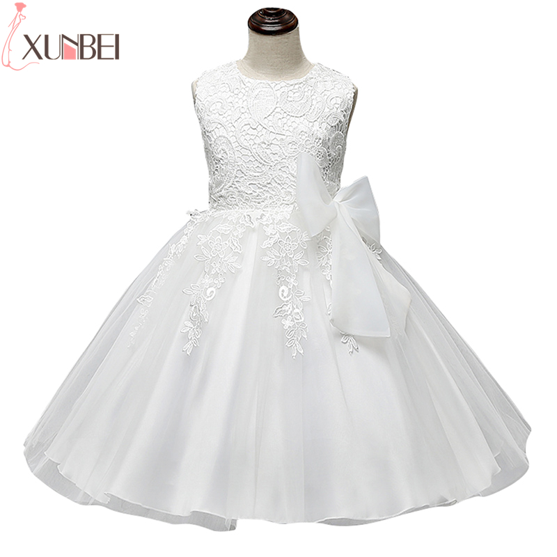 2020 Cute O Neck Sleeveless Flowers Girls Dresses Bow  Appliques For First Communion Lace Ball Gown Girls Evening Gowns