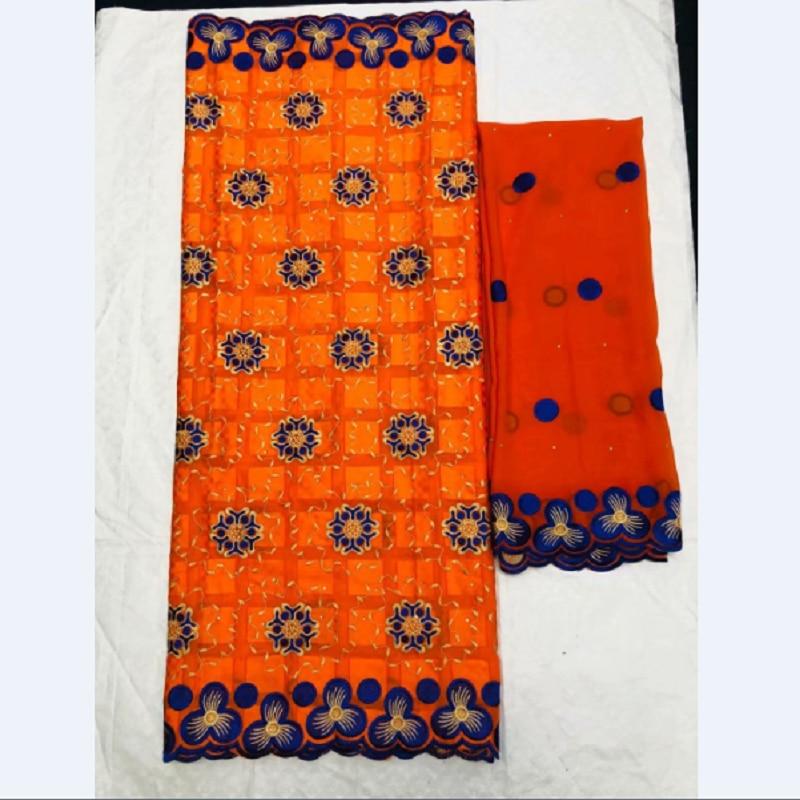 Top kwaliteit zwitserse 100% katoen stof geborduurde pleinen met stenen tissu africain brode coton 5 + 2 yards zwitserse voile kant sjaal-in Stof van Huis & Tuin op  Groep 1