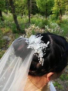 Image 2 - Pente branco com borda cortada 2m, véu de noiva longo com pérolas brancas para casamento véu