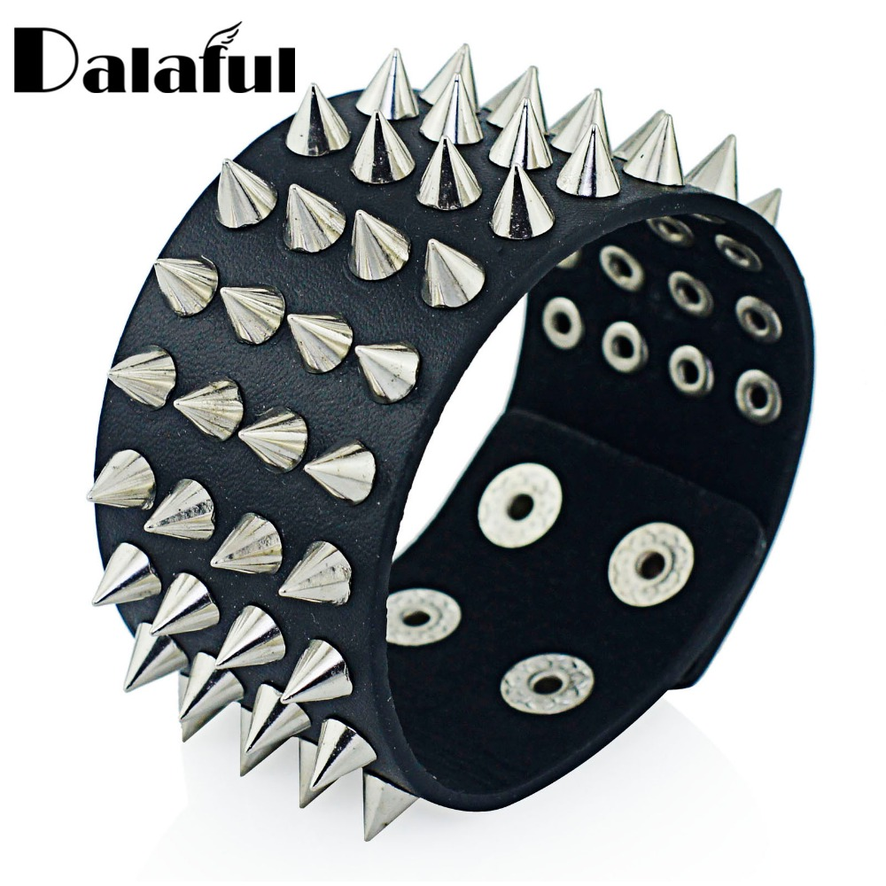 Unik Four Row Cuspidal Spikes Rivet Stud Wide Manchet Læder Punk Gothic Rock Unisex Bangle Armbånd Mænd Smykker S263