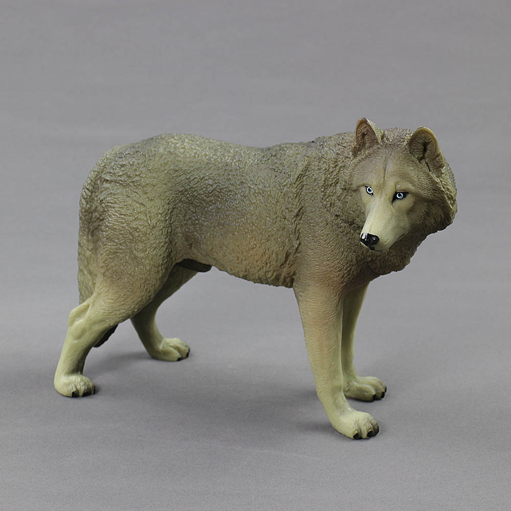Wolf Family Toy : Plastic toy wolves wow