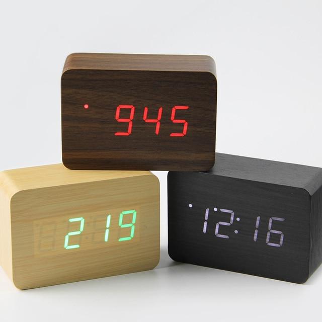 d6e189f86ea 2019 Pequeno bonito relógio digital de madeira LEVOU Despertador Controle  de Som USB Indicador de Temperatura