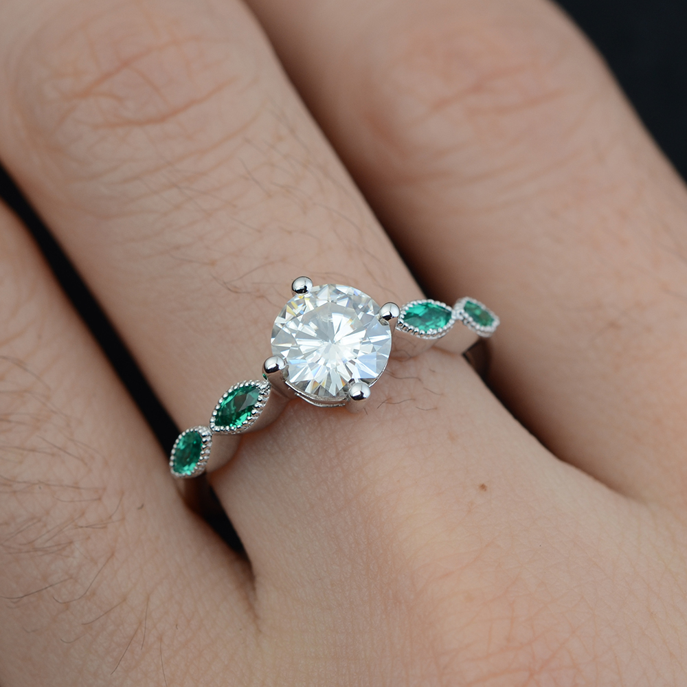 tapered cut engagement gold rings emerald with in diamond and stones stone baguette three ring side white center