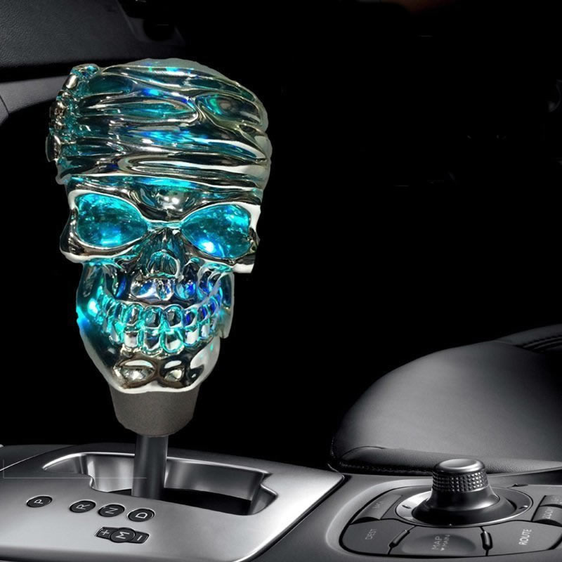 Modification of automobile universal gear rod to personality dazzling light-emitting skull head automobile gear rod