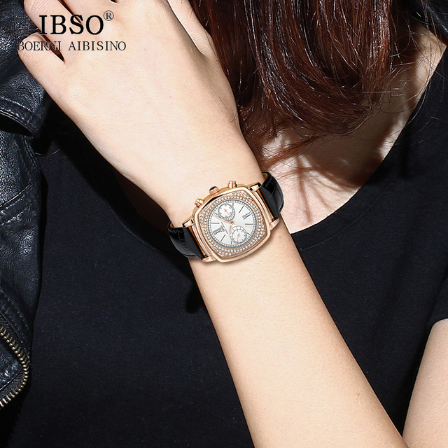 Women's Fashion Watch With Crystals