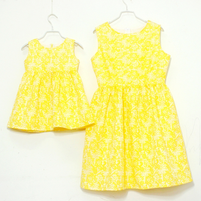Brand floral prints pleated Sleeveless slim sundresses women girls party dress family match clothes mother and daughter dresses