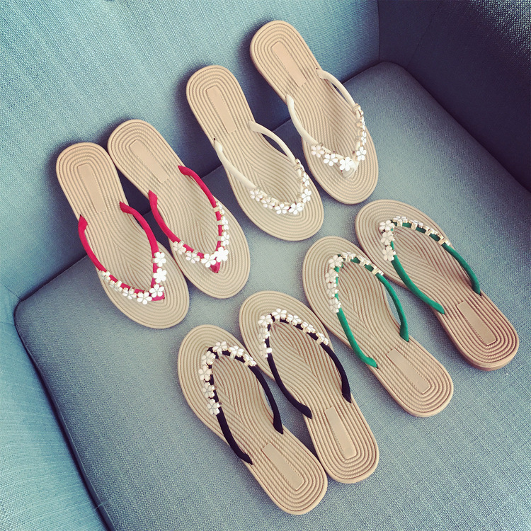 New Sandals Women Fashion Explosions Bohemian Small Flowers Pinch Wild Flip-flops Flat-bottom Large Size Beach Sandals Slippers