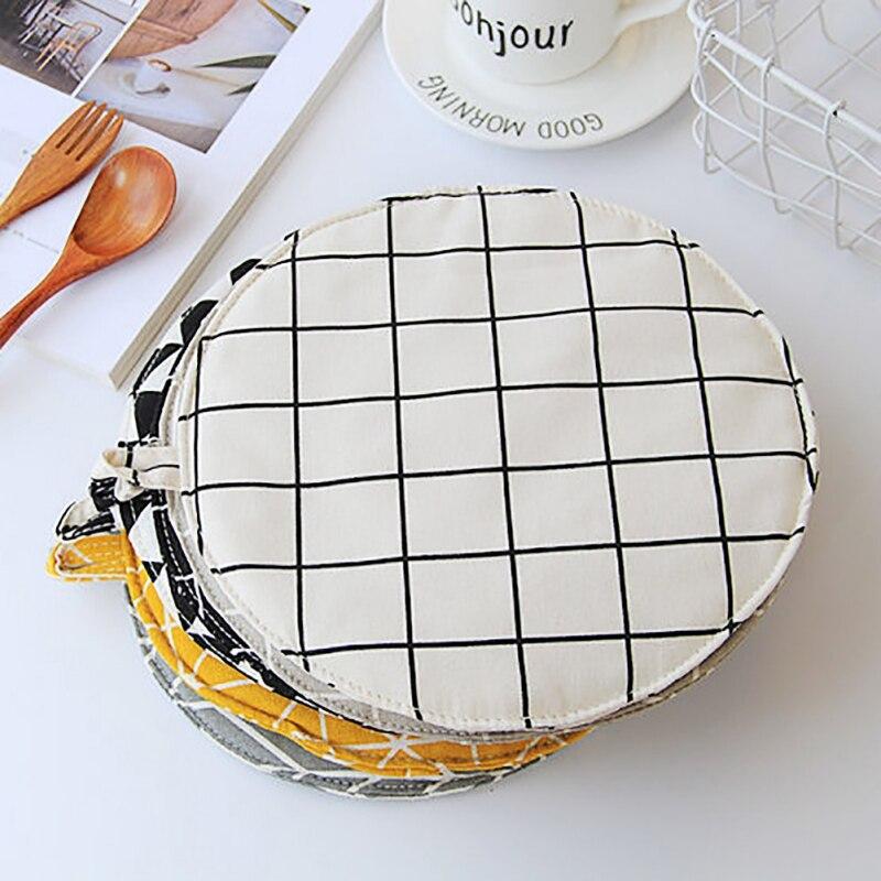 Cotton Linen Mats Kitchen Baking Microwave Oven Insulation Mat Heat Resistant Tablecloth Non-slip Pillow Kitchen Cooking