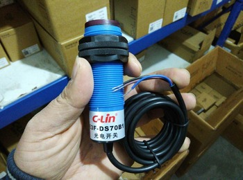 Brand new original authentic C-Lin E3F-DS70B1 DC three-wire PNP normally open type diffuse reflection type photoelectric switch