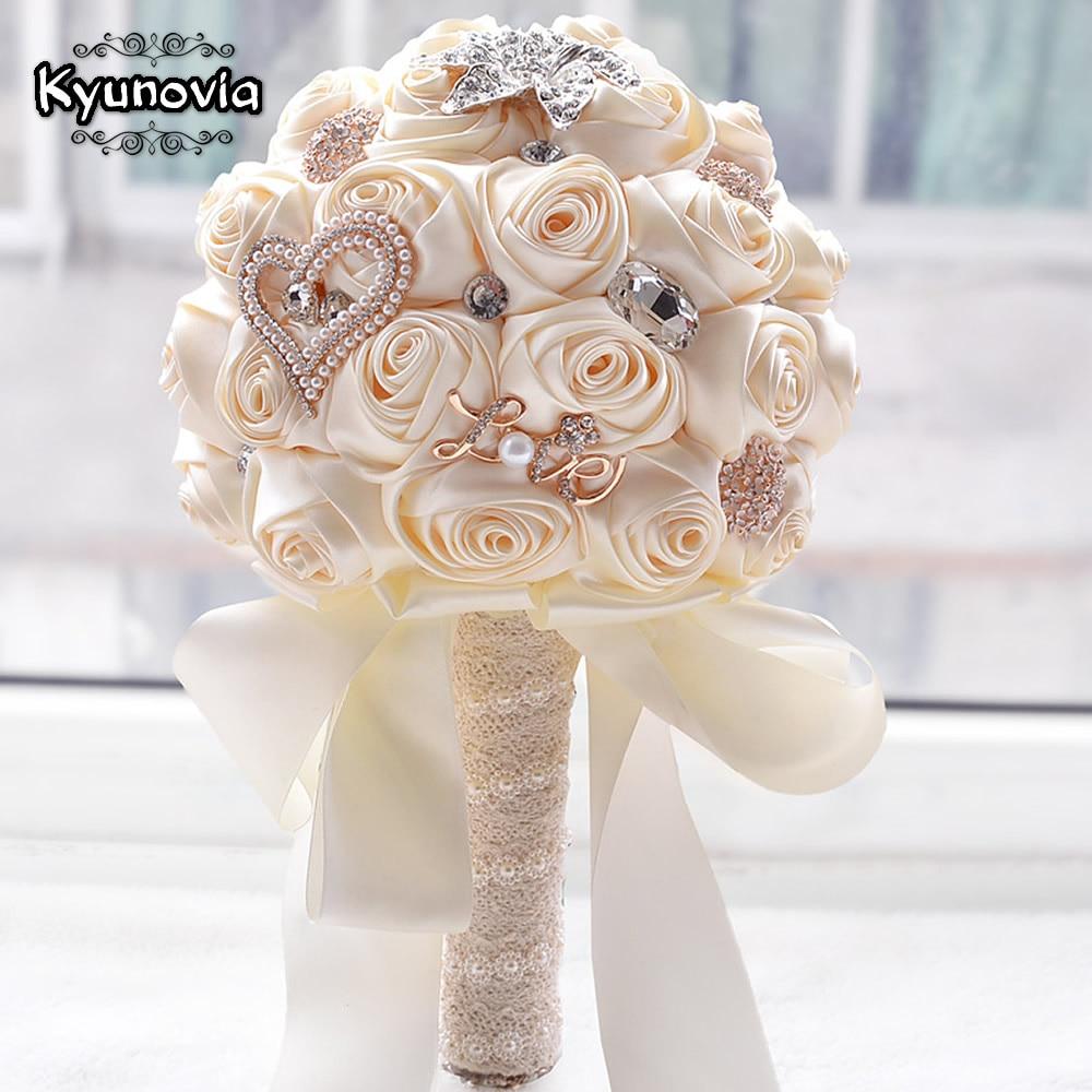 Kyunovia В наличии Потрясающие Свадебные цветы Белый невесты свадебные букеты Искусственные розы Букеты Свадебные fw139