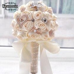 Kyunovia en stock impresionantes flores de boda blanco para dama de honor ramos de novia boda Rosa artificial ramo FW139