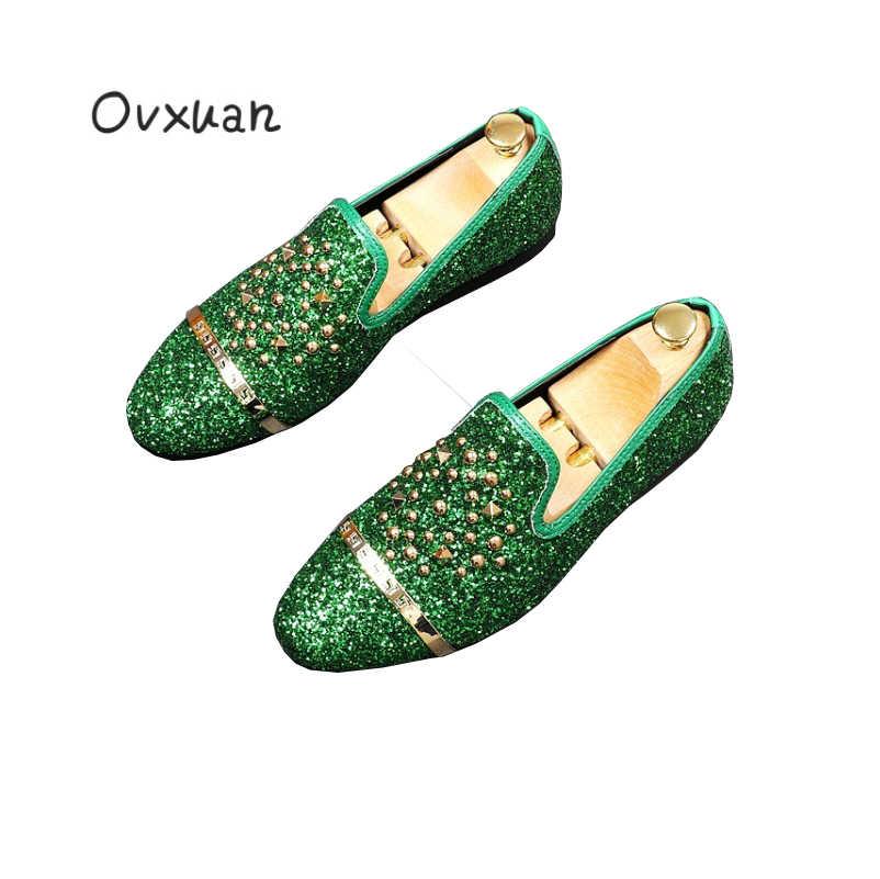 Ovxuan彫ゴールドバックル男性ローファーファッション宴会ウエディングウェディングドレスシューズ男性スリッパグリッターリベットカジュアルスリップオンシューズ